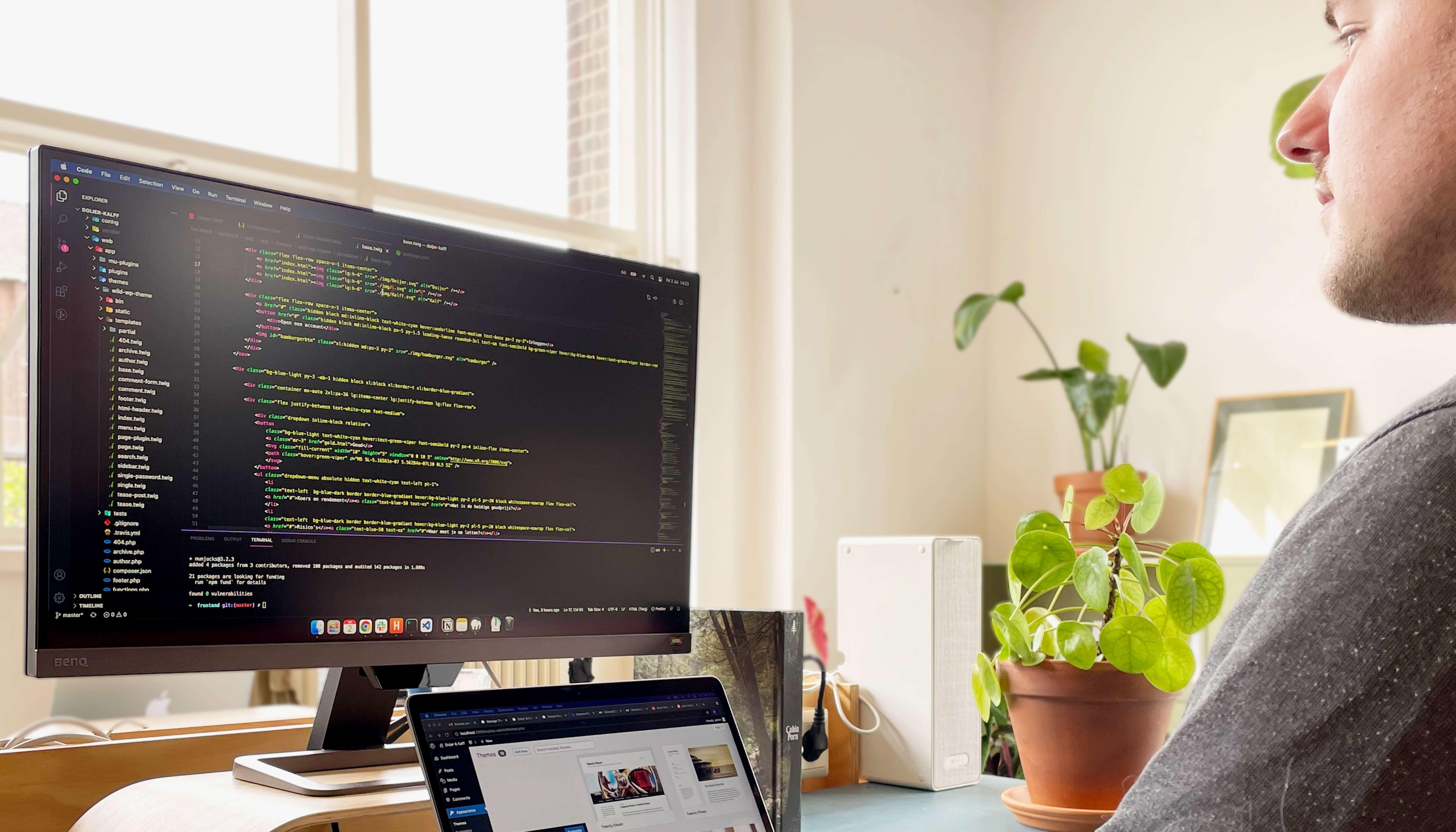 Tech-Ecom-design-top-image